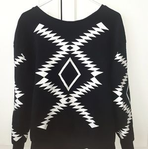 Garage size medium tribal black and white hoodie
